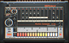 Das Design könnte nicht mehr nach 80er aussehen - macht aber nix. Der Sound ist zeitlos.