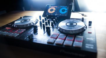 Mixvibes Cross DJ Pro für Android unterstützt ab sofort neben dem U-Mix Control Pro auch Pioneers DDJ-SB und DDJ-WeGO2.