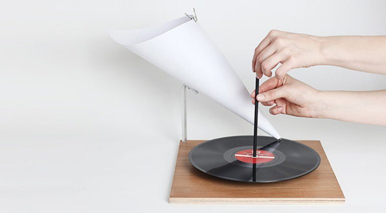 The Minimal Gramophone