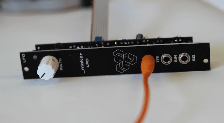 Das LFO-Modul von maker.ie für Eurorack-Synthesizer