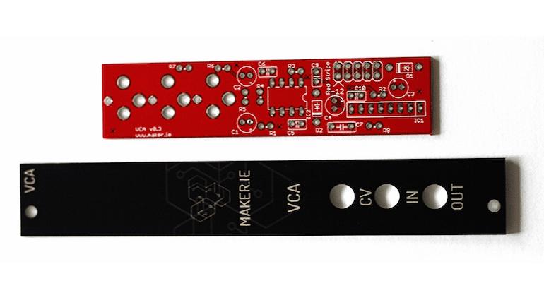 Frontblende des VCA-Modulsl von maker.ie für Eurorack-Synthesizer