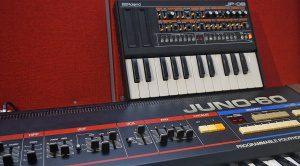 Roland JP-08 – So klein, der passt locker auf die Schulter ...