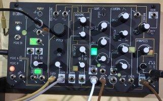 NAMM 2016: Make Noise kündigt kleinen monophonen Desktop Synthesizer 0-Coast an
