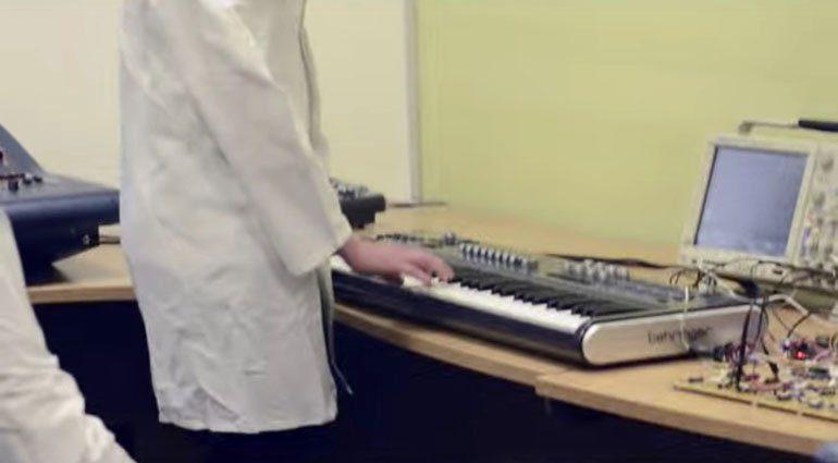 behringer-synthesizer