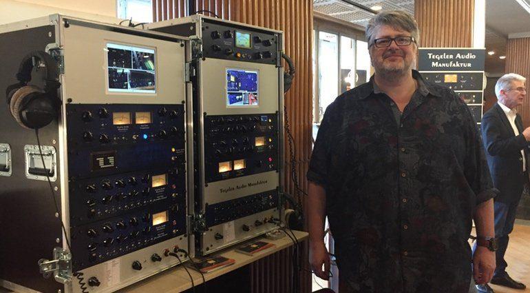 Tegeler Audio Manufaktur Gründer mit der neusten Hardware