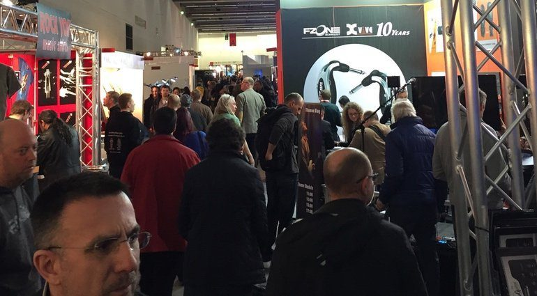 Musikmesse 2016 Tag 1 Mittag Crowd