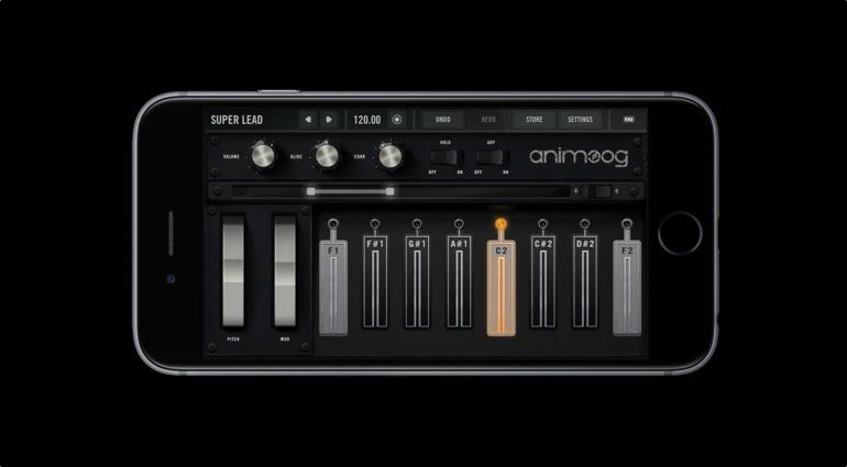 Moog Model 15 App iOS GUI Animoog Keyboard
