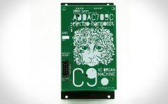 ADDAC bringt Bodentreter in ein Eurorack-Format