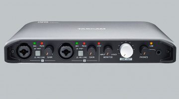 Tascam iXR USB Audiointerface iOS Front