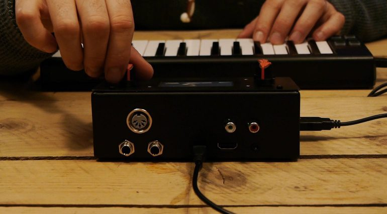 Zynthian Synthesizer Prototyp Rueckseite Back