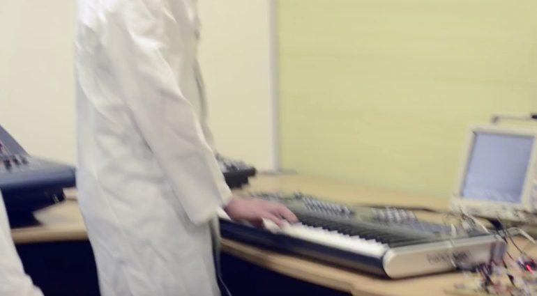 Breaking News: kommt heute endlich der neue Behringer Synthesizer?