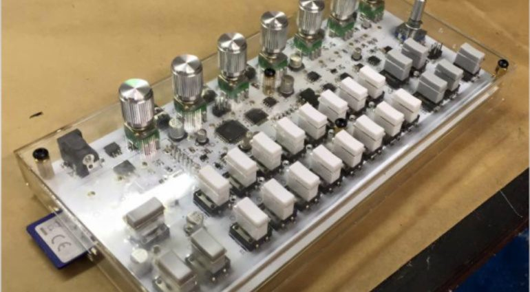 Twisted Electrons zeigt Prototyp eines Mini-Samplers