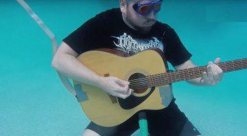 Akustik Gitarre unter Wasser Klang Taucherbrille