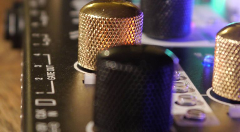 Synthstrom Audible Deluge - All-in-one für ein mobiles Musizieren