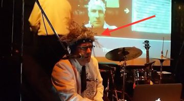 Encephalophone Helm Gehirnstrom Controller Pfeil