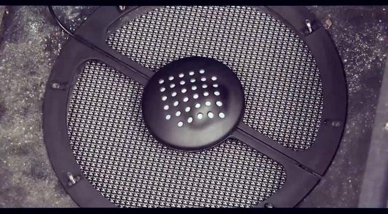 SAM Systems Integral Mikrofon Indiegogo Close Up Cloth