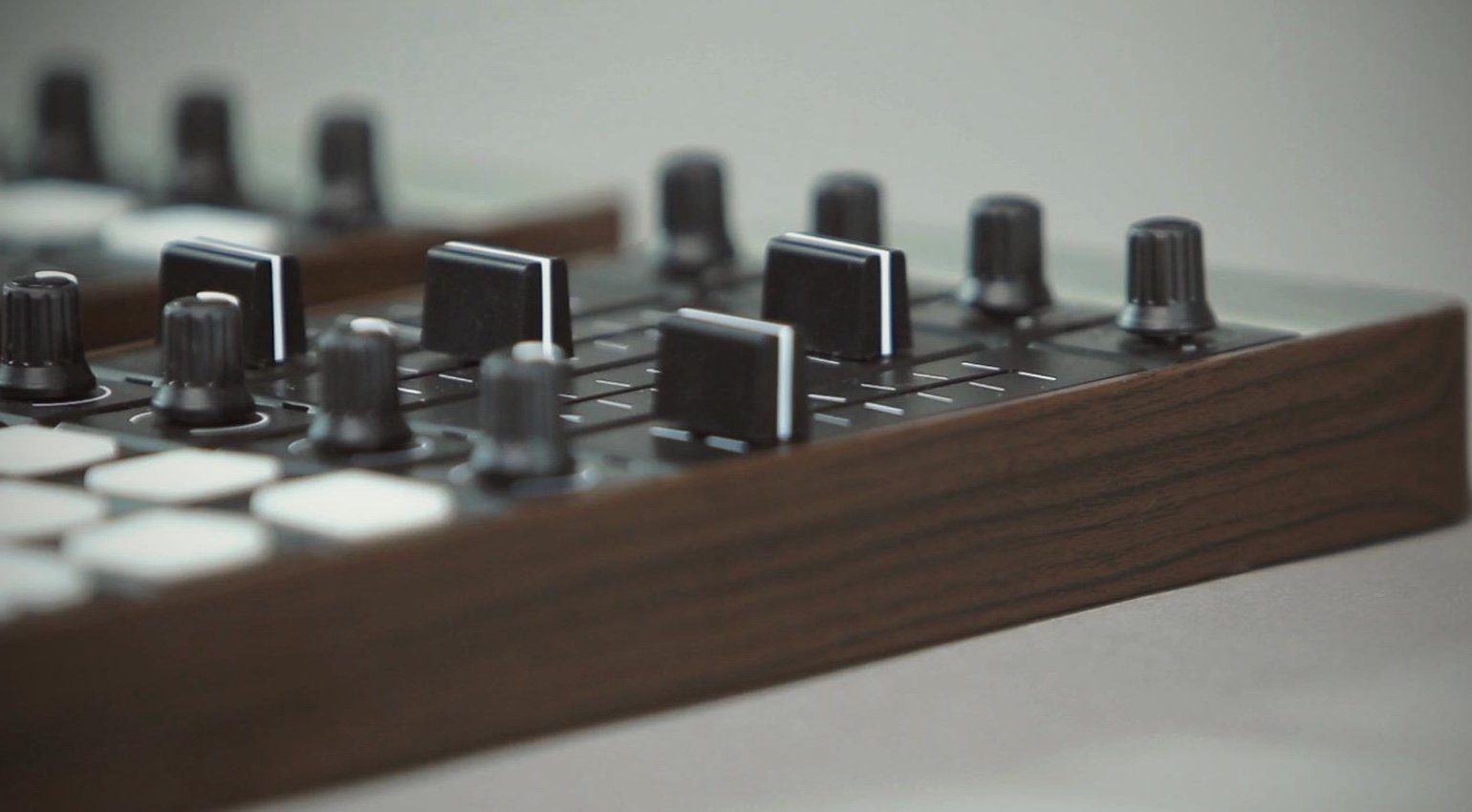 Special Waves Mine MIDI Controller Fader Close Up