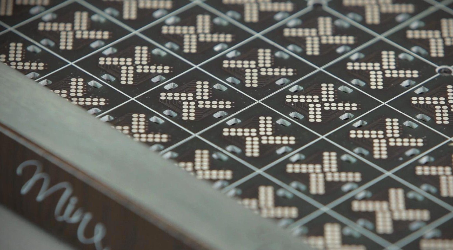 Special Waves Mine MIDI Controller PCB Close Up