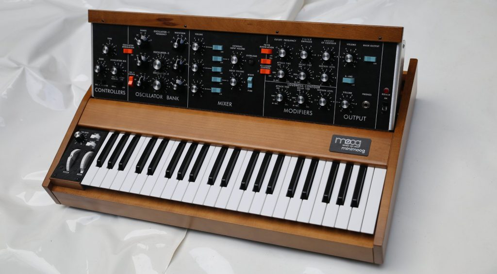 Moog Minimoog Neo Synthesizer