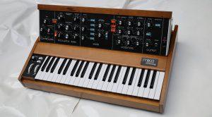 Moog Minimoog Neo Synthesizer