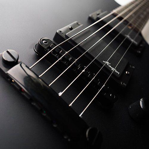 Cort Manson M-Jet E-Gitarre Black HArdware