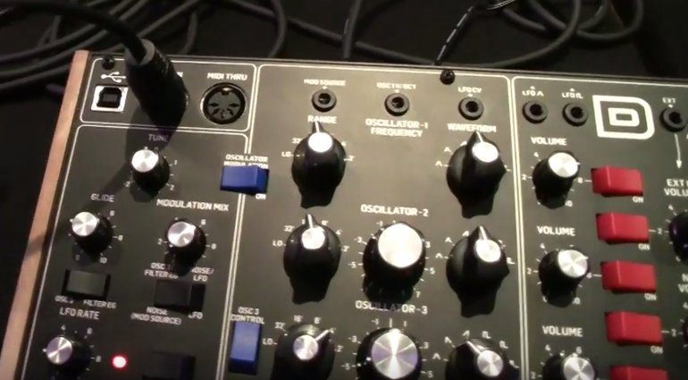 Behringer D-Synth Minimoog Klon Controls 1