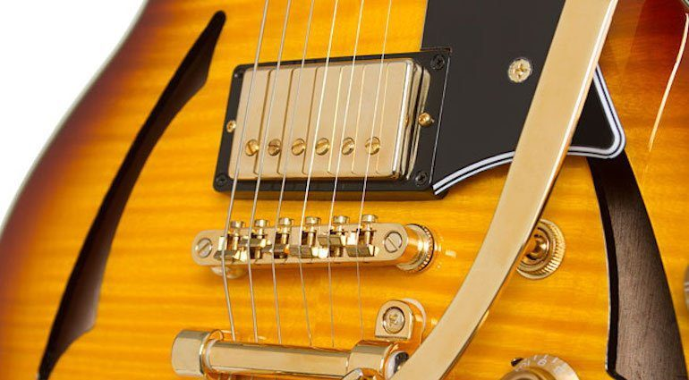 Epiphone Ltd. Ed. Johnny A. Custom Outfit - Case - Bigsby B70