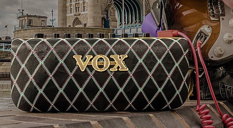 Vox Adio Combo Amp Front Teaser
