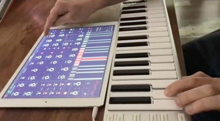 apeSoft mood - Moog Model D goes iPad