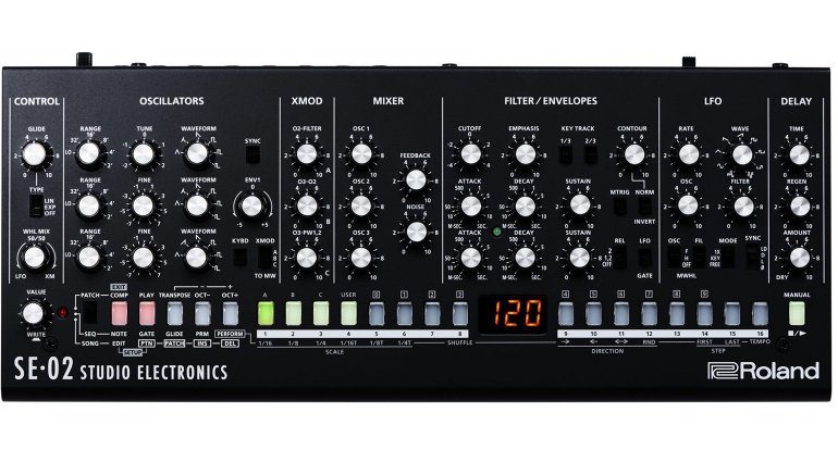 Roland SE-02 Analog Synthesizer MiniMoog Front
