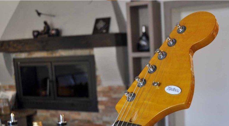 Veranda Guitars Whiskymaster Headstock