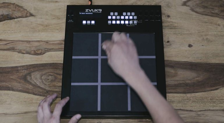 Zvukmachines Zvuk9 - neun mal Kaoss Pad als Controller?
