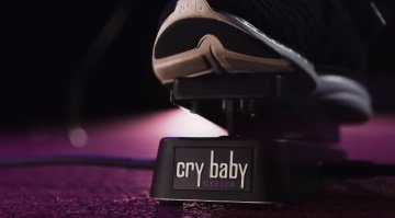 Dunlop Geezer Butler Signature Cry Baby Wah Front