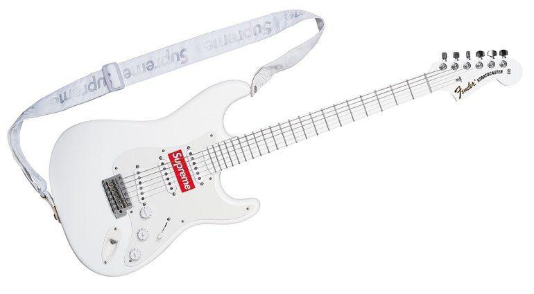 Fender Supreme Stratocaster Front