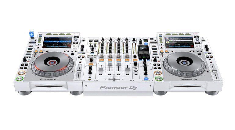 CDJ-2000NXS2-W und DJM-900NXS2-W