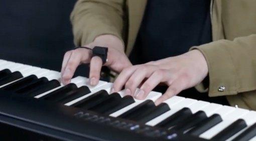 Steuern durch Gesten - der Enhancia MIDI Ring