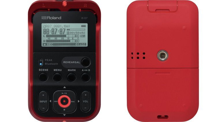 Roland R-07 Recorder Front Back