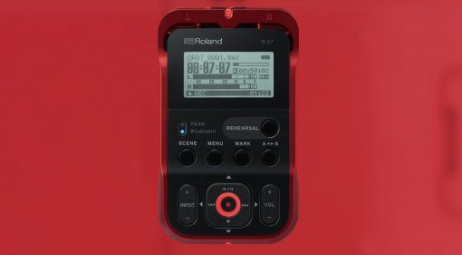 Roland R-07 Red Front Teaser