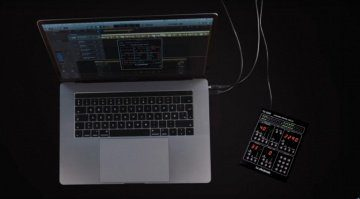 TC22990-DT-plug-in-desktop-controller-macbook