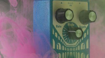 Earthquaker Devices Aqueduct Vibrato Effektpedal Teaser