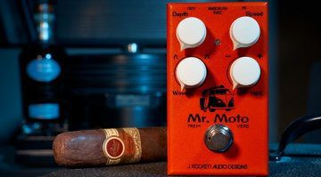 J Rocket Audio Designs Mr Moto Tremolo Reverb Pedal Front