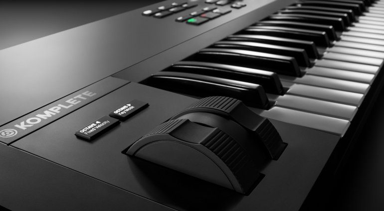 Native Instruments Komplete Kontrol S-Series