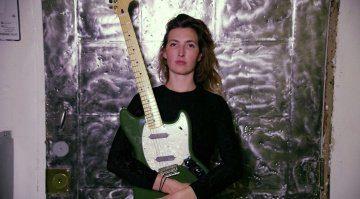 Frauen E-Gitarre Warpaint Fender Offset Mustang TEaser