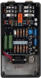 EarthQuaker-Devices-Black-Ash-Endangered-Fuzz Innen