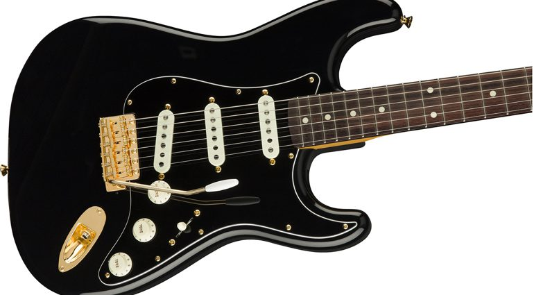 Fender-Midnight-Stratocaster-