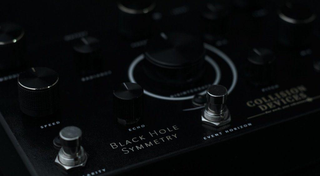 Collision Devices Black Hole Symmetry Pedal Effekt Fuzz Reverb Delay Close 1