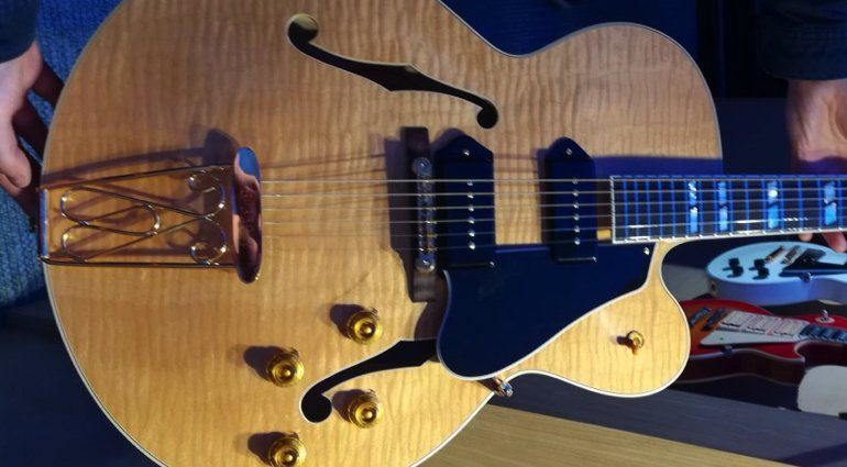 Gibson-Chuck-Berry-350T-Tribute-Quilted-Maple-NAMM-2019