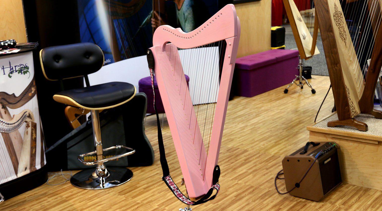 NAMM 2019: Die Harfe ist ein Instrument für Mädchen ...