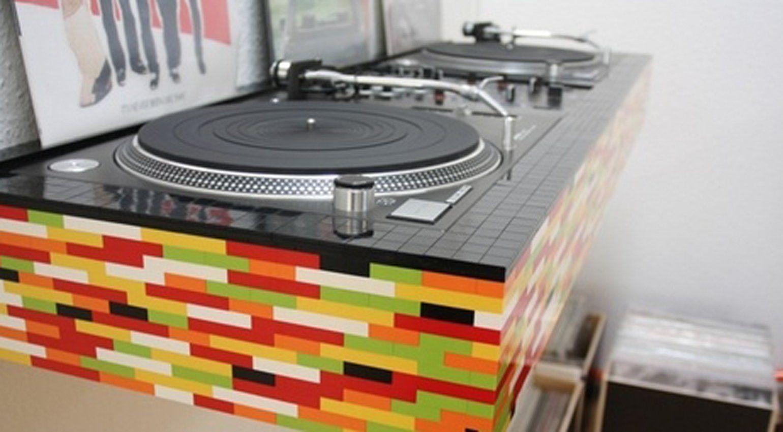 Lego DJ Booth by morsebakke