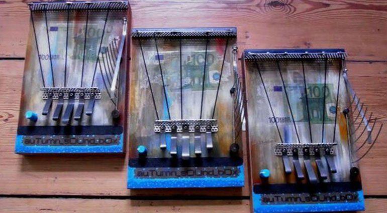 Autumn Soundboxes - handgemachte elektroakustische Geräuschkistchen